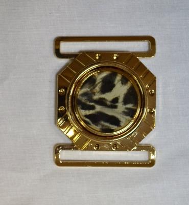 Пряжка 6 см металлическая из двух деталей золотой леопард 2 шт. в упаковке.
