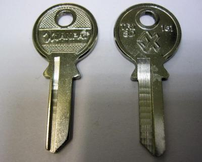Заготовка для ключей 00071 TRI3D_TR9R_TL9_TRC10 TriCircle Английские