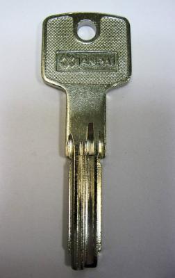 Заготовка для ключей 00506 CI26-L Cisa под бронь вертикальные