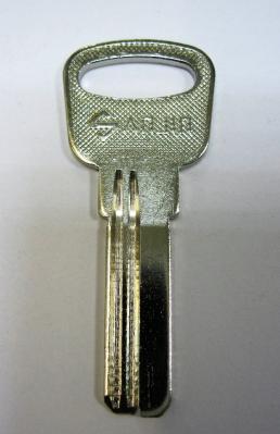 Заготовка для ключей 00533 E-018 вертикальные, SANJIN 2 паза левые (27мм*9мм*2,3мм)