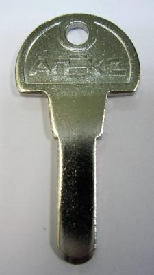 Заготовка для ключей 00634 APE-03 3 мм вертикальная