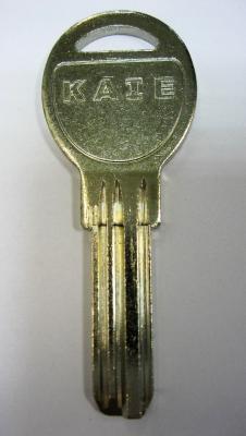 Заготовка для ключей 00512 KAE12D_KAL13_x_x_Kale6 KAE6 3 паза вертикальная