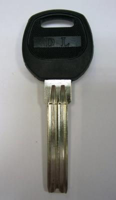 Заготовка для ключей 00656 Полукруг 2 паза (35мм*8,00мм)