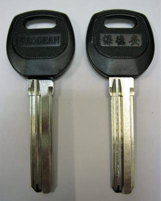 Заготовка для ключей 00610 SAN-3D BAODEAN SANJIN 3 паза (8,8*38мм) пластик (canas) PCHN 2P вертикальная