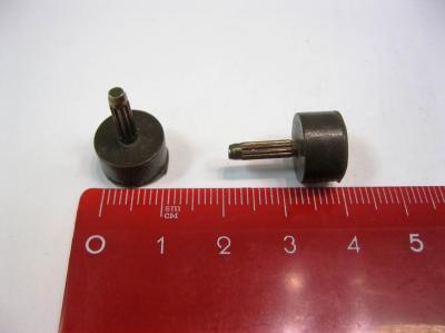 Набойки полиуретановые со штырем ARCHITAK Ф-9 коричневые