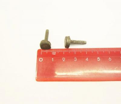 Набойка металлическая с гвоздем 8*8 мм
