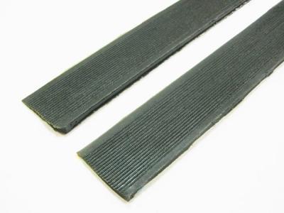 Косячок полиуретановый с протектором 43см*3см чёрный